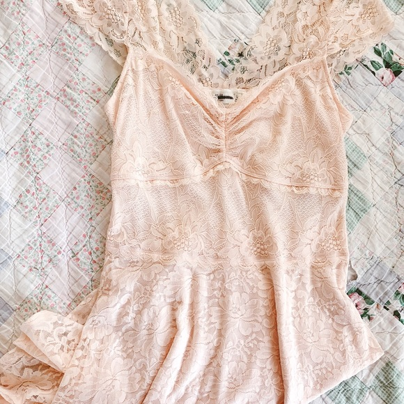 Abercrombie & Fitch Dresses & Skirts - Light Pink Lace Dress